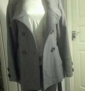 Пальто двубортное M