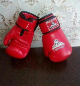 Перчатки боксерские, детские.