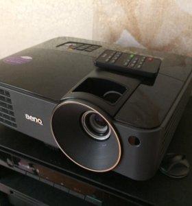 Проектор BENQ MS502 с экраном и штативом