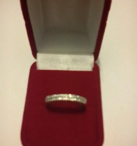 Золотое кольцо с фианитами новое