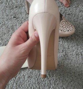 Новые туфли маскот