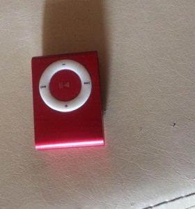 Плеер для музыки красного цвета.