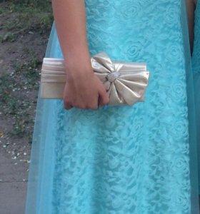 Платье на выпускной вечер.