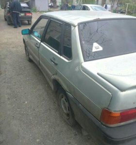 Машина 2115 2002 года