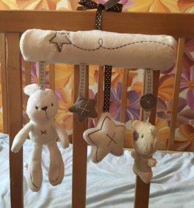 Игрушки на коляску/кроватку