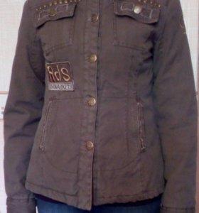 Верхняя одежда р.44 б/у
