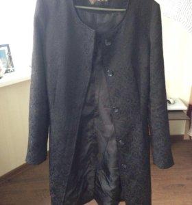 Легкое пальто на теплую весну-осень