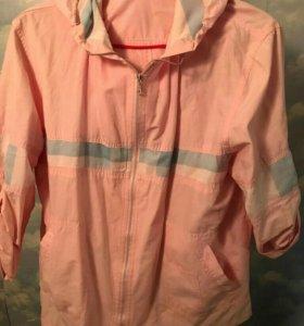 Продаю куртку-ветровку