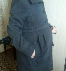 Пальто 46р для беременных