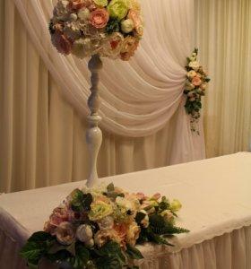 Аренда вазы с цветами на столы гостей