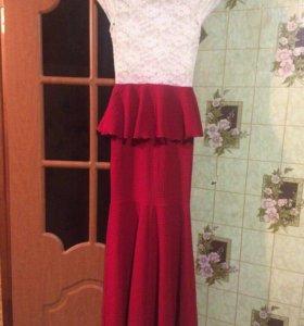 Платье на выпускной или свадьбу.