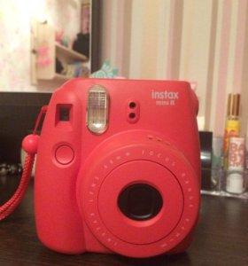 Instax Mini 8 ( фотоаппарат для мгновенных фоток)