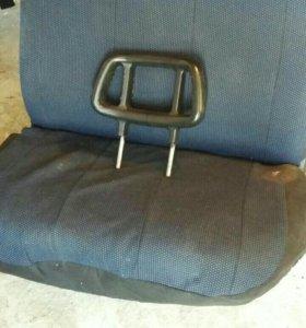 Передние сиденье на газель