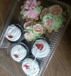 Тортики и пирожные к празднику