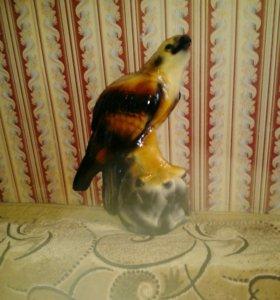 Фарфоровый сокол-копилка