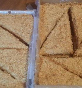 """Торт медовик,медовые пирожные """"Регата"""""""