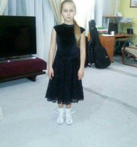 Платье для бальных платьев.