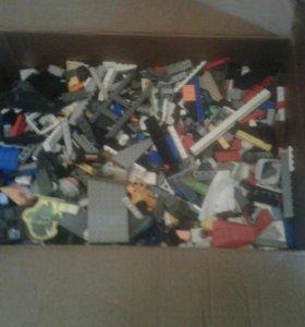Коробка Лего