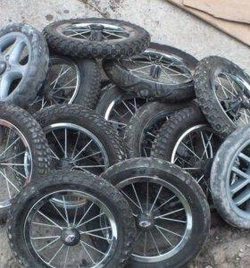 Колеса и рамы для колясок