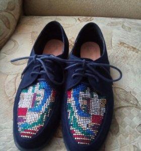 Продам б\у очень красивые туфли