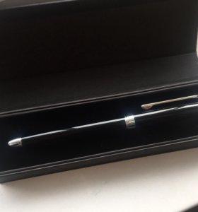 Шариковая ручка на подарок