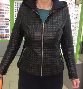 Куртка кожаная женская 48 размер.