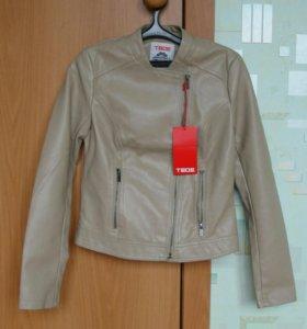 Куртка новая 42 размер