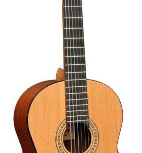 Акустическая гитара Admira