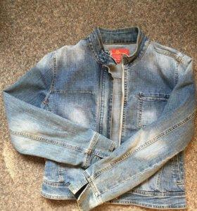 Джинсовый пиджак , размер L