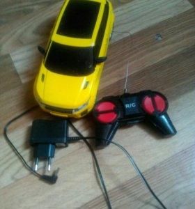 Детская машинка на радио-управлении