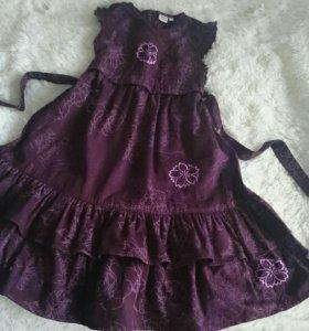 Нарядное платье на девочку, р-р 134.
