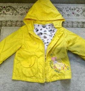Куртки для девочки в хорошем состоянии 3-5 лет