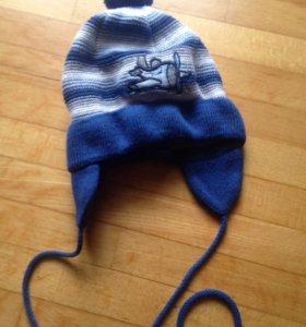Демисезонная шапочка на мальчика 2-3 годика.