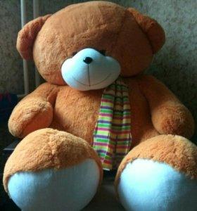 Огромный медведь )