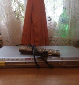 DVD плеер LG DV 477 с пультом