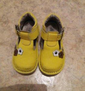 Продам ортоб.сандали,туфельки и полуботиночки