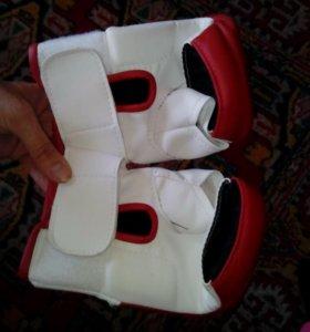 Перчатки бойцовские