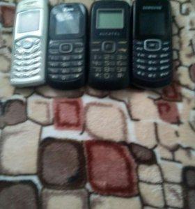 4 телефона на запчасти.