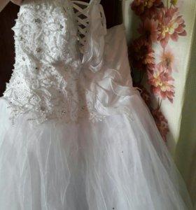 Свадебное платье 52-54р торг