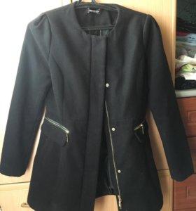Пальто женское Stradivarius