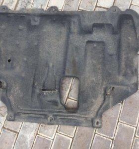 Пыльник на двигатель ford focus 3