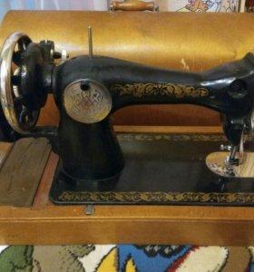 Швейная машина,