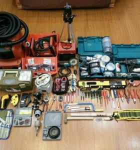 Услуги электрика с профессиональным инструментом