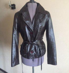Кожаная куртка La Reine Blanche