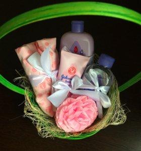 Подарочная корзина для новорожденных и детей