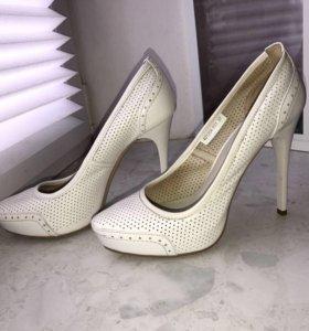 Туфли Mascotte кожаные белые