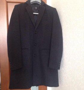 Шерстяное пальто zolla