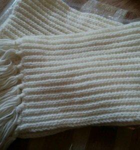 Вязаный шарф ручной работы.