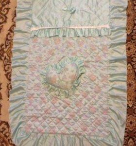 Покрывало и декор.подушка на детскую кроватку