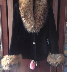 Пальто-Срочно !!!!